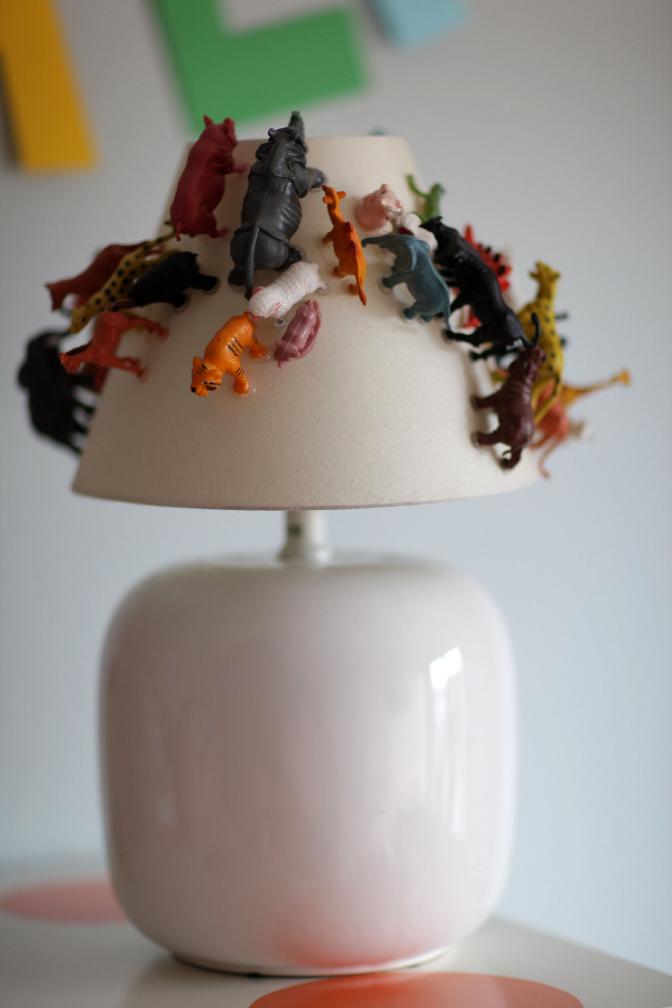 Another_Blog_DIY_Lamp_plasticanimal2.JPG