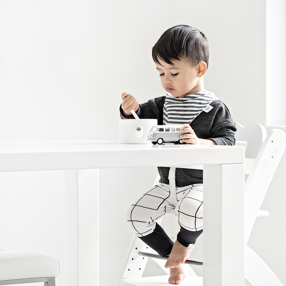 Hayden is wearing Littles Collection charcoal sweatshirt & modern grid dipped leggings and Bibdana from We Are Minors.