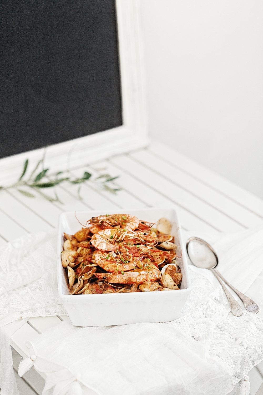 Seafood Spaghetti in Creamy Garlic & Tomato Sauce | www.maegabriel.com
