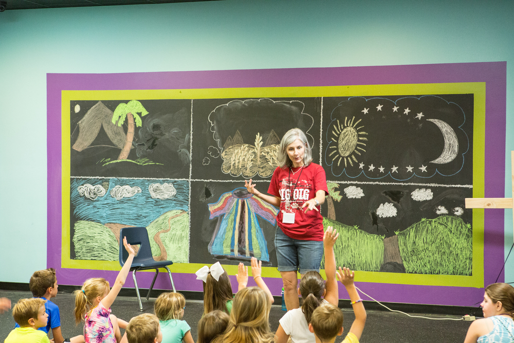 Kim Allen, teaching at THE BIG DIG Vacation Bible School in 2015.