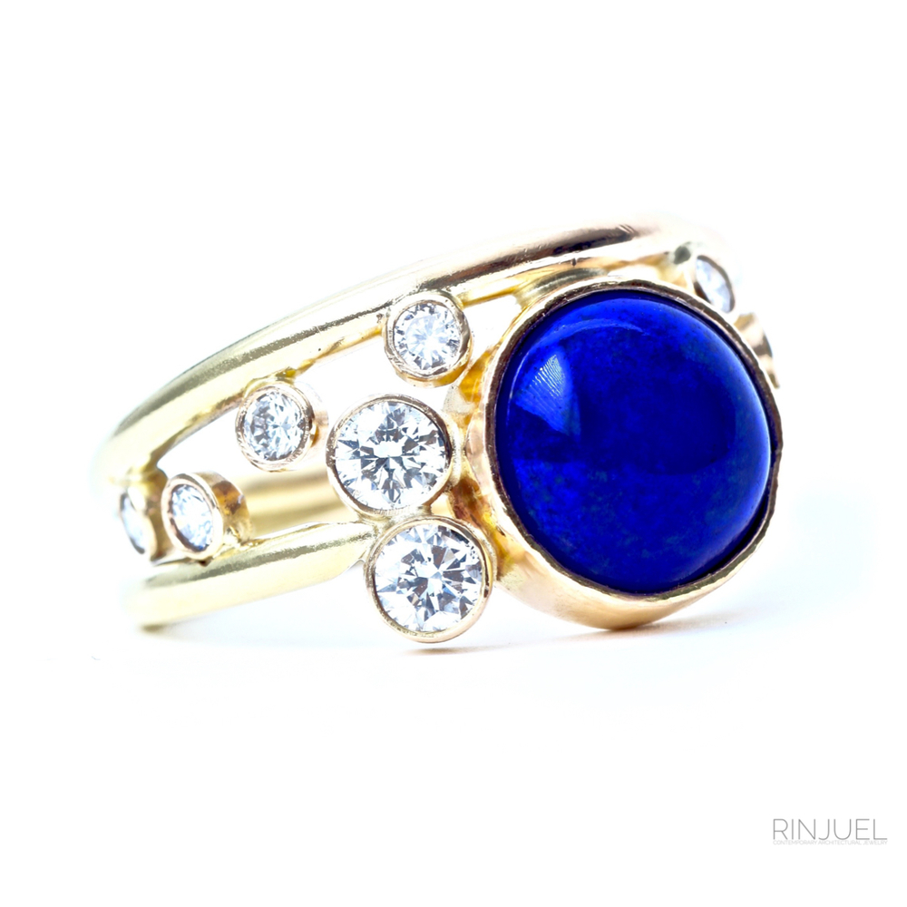 RINJUEL custom ring in 14K gold with lapis and diamonds