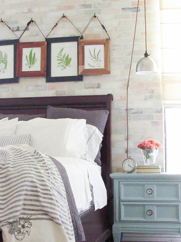 Romantic Industrial Frames Side View