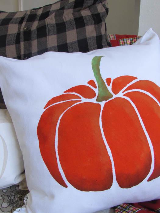 Paint-A-Pillow Halloween Decor - Pocketful of Posies