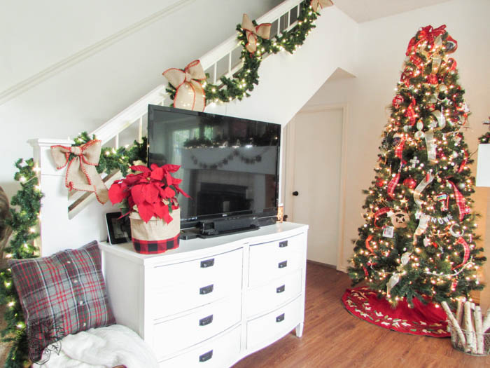 My Home Style: Chirstmas Tree Edition - Pocketful of Posies