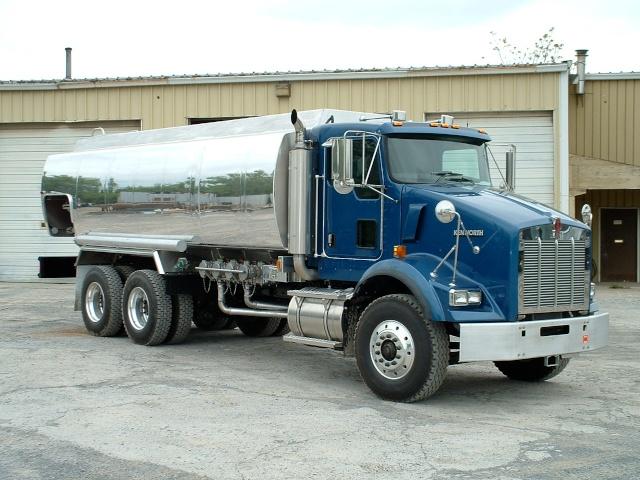 truck pitcher 014.jpg
