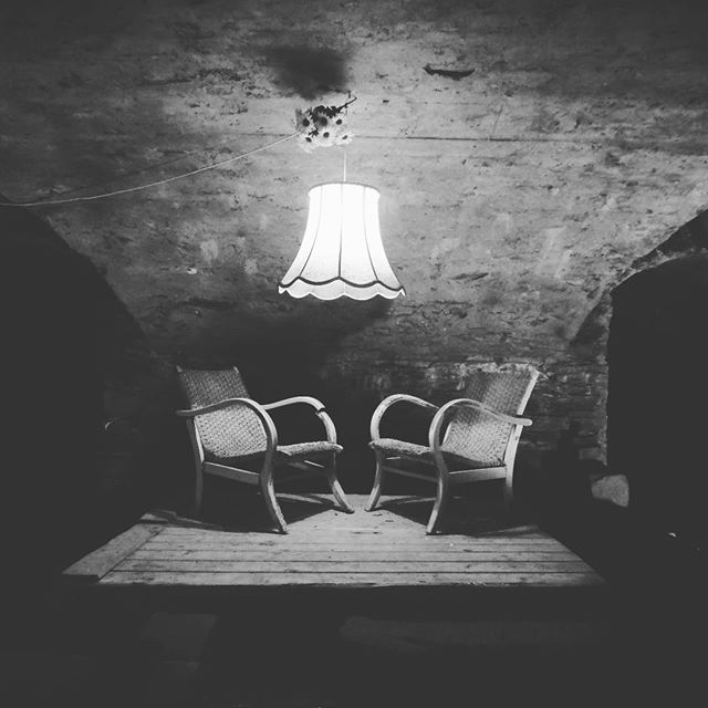 unser Weinkeller. Ein hübsch schönes kühles Plätzchen in der Sommermittagshitze! #casastolte #trabentrarbach #weinkeller #villa #1854 #abkuehlung