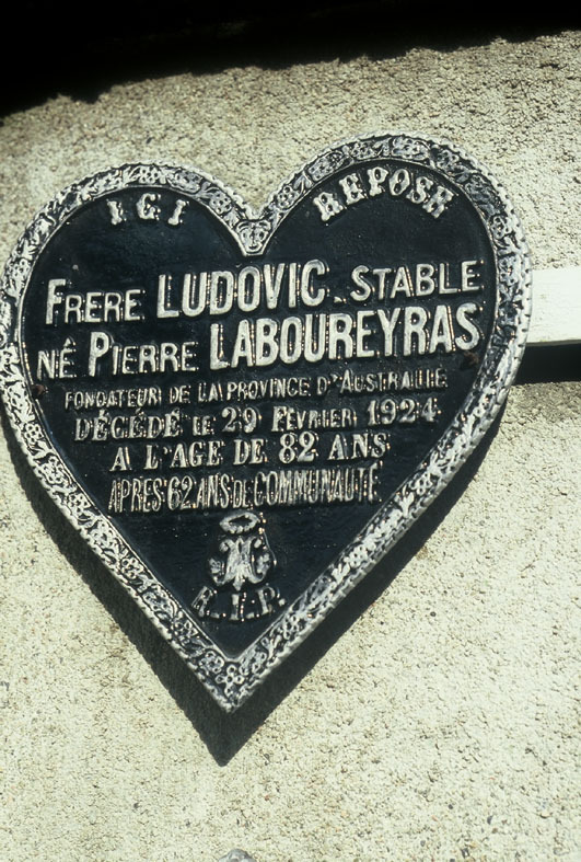 ludovic+plaque.jpg