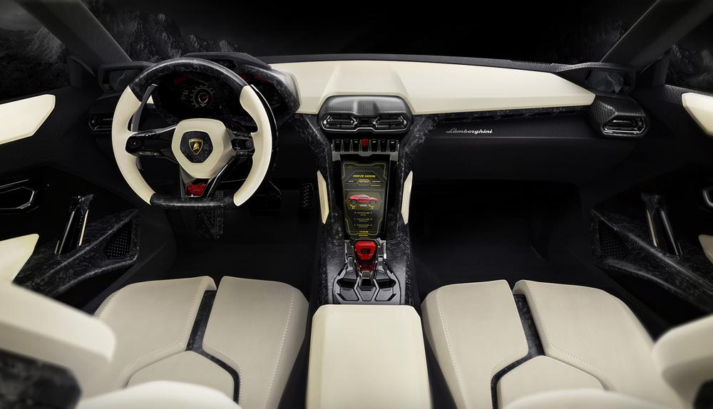 Lamborghini_Urus 2.jpg