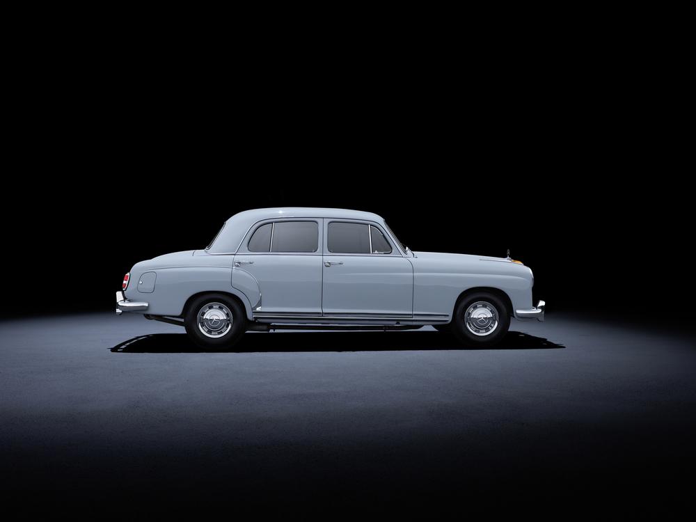 2 - Mercedes-Benz 220 (W 180, 1954 a 1956).jpg