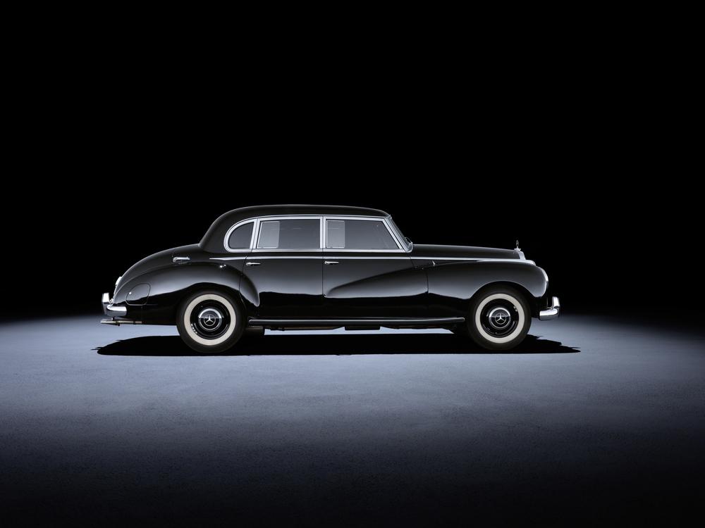 1 - Mercedes-Benz 300 (W 186 : W 189, 1951 a 1962).jpg