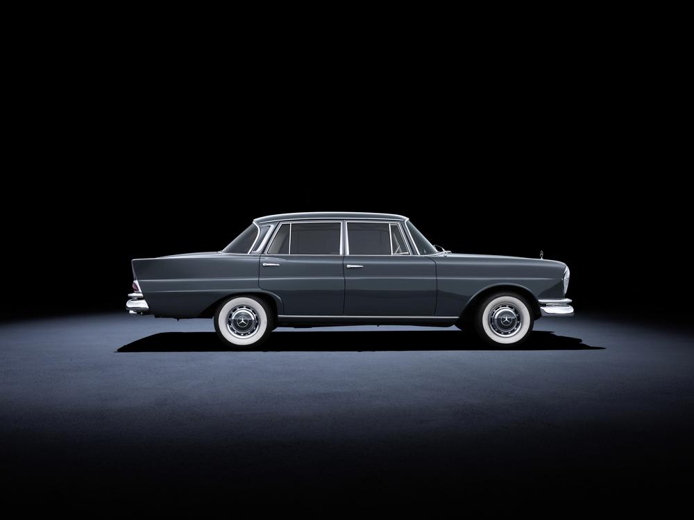 3 - Mercedes-Benz 220 SE (W 111, 1959 a 1965).jpg