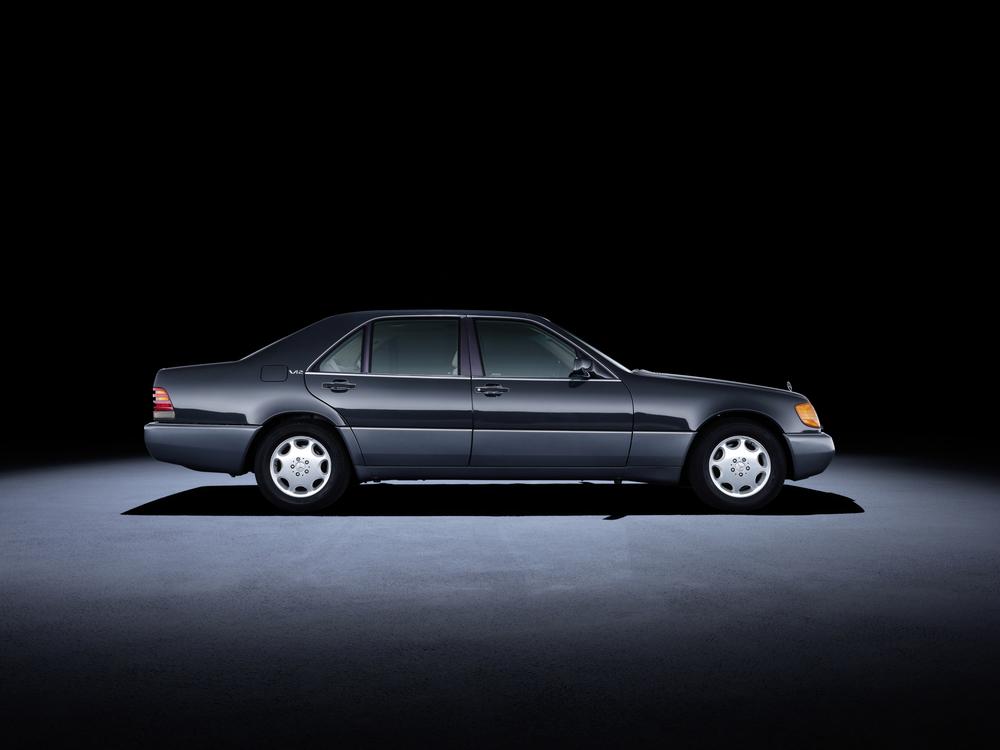 5 - Mercedes-Benz S-Class 140 series (1991 a 1998).jpg