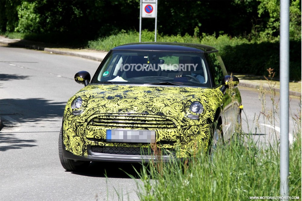 2014-mini-cooper-spy-shots_100427540_l.jpg
