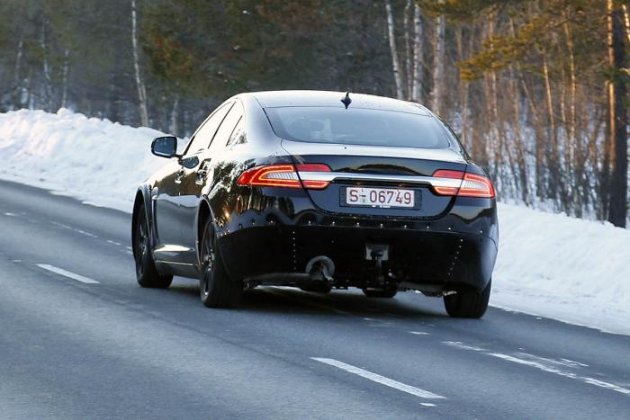 jaguar-xs-spy-rear.jpg