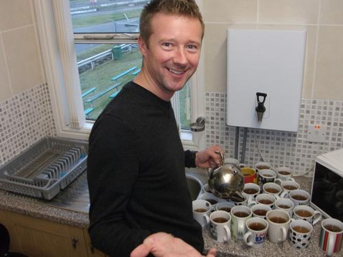 Gordon_Shedden_Champions_Teapot.jpg