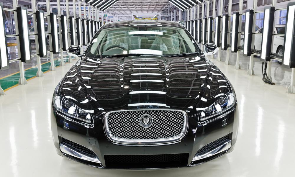 Jaguar_XF_Pune.jpg