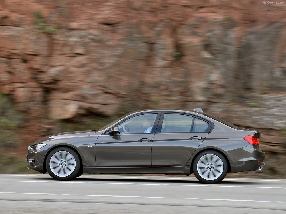 BMW-3-Series_2012_1600x1200_wallpaper_51.jpg