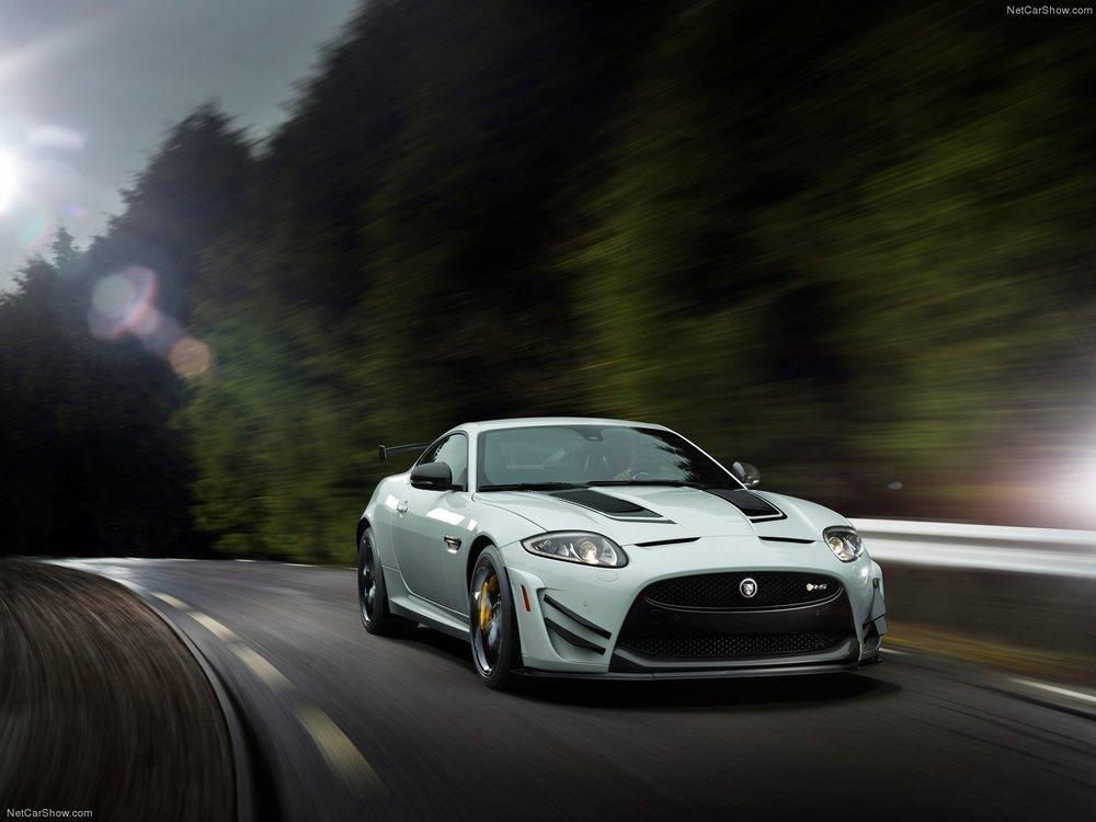 Jaguar-XKR-S_GT_2014_1600x1200_wallpaper_01.jpg