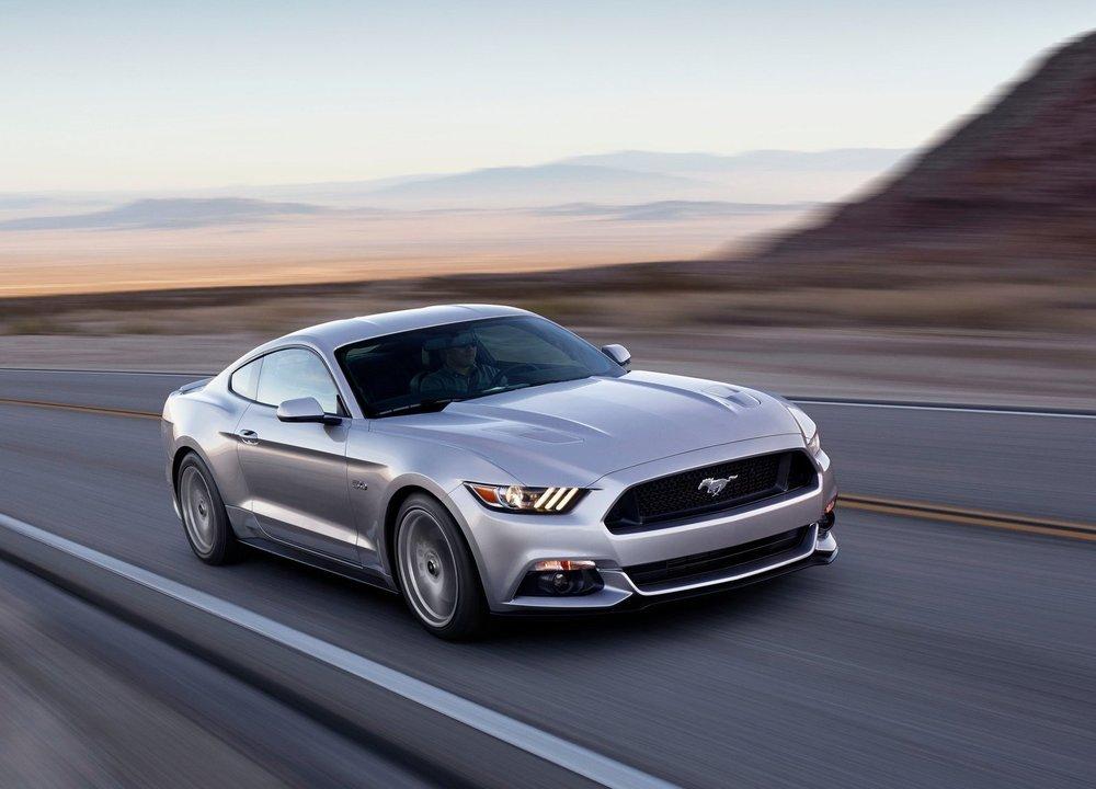 Ford-Mustang_GT_2015_1600x1200_wallpaper_03.jpg