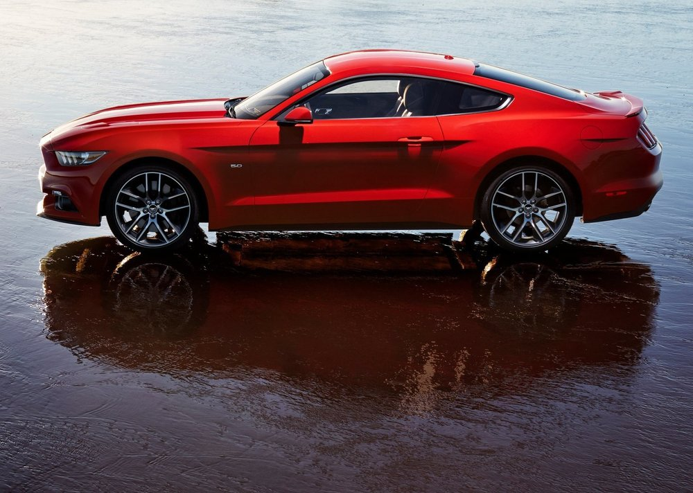 Ford-Mustang_GT_2015_1600x1200_wallpaper_09.jpg
