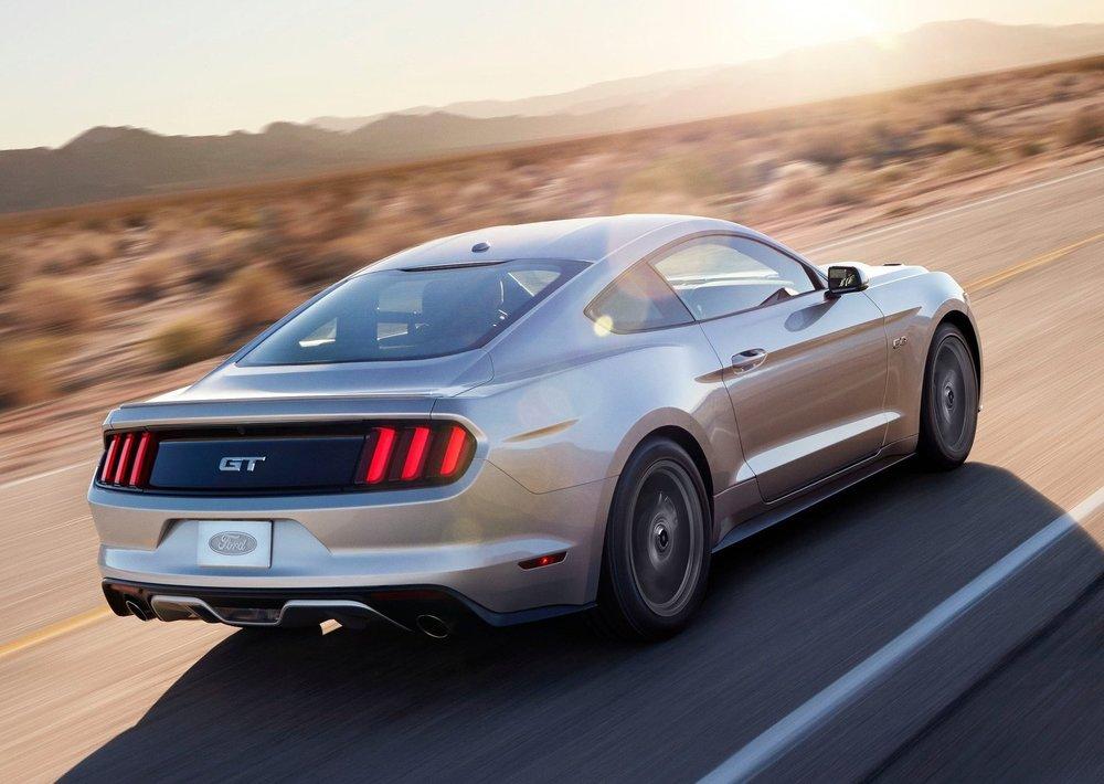 Ford-Mustang_GT_2015_1600x1200_wallpaper_14.jpg