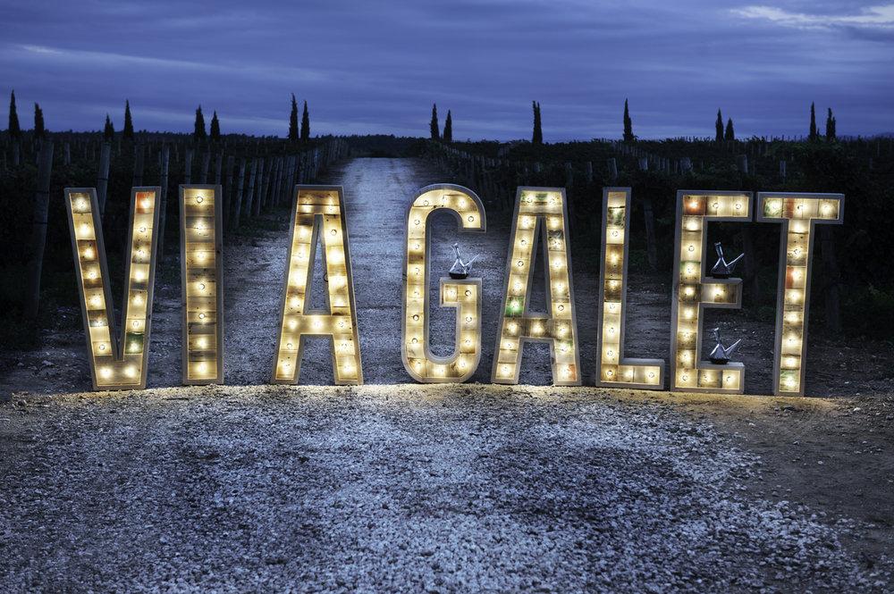 letras-bombillas-LaVinyeta-viagalet.jpg