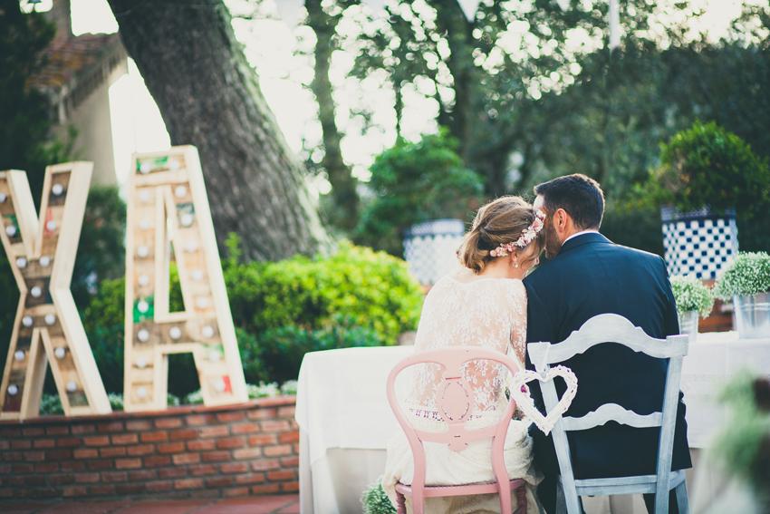 xa-bodas-letras-bombillas03.jpg