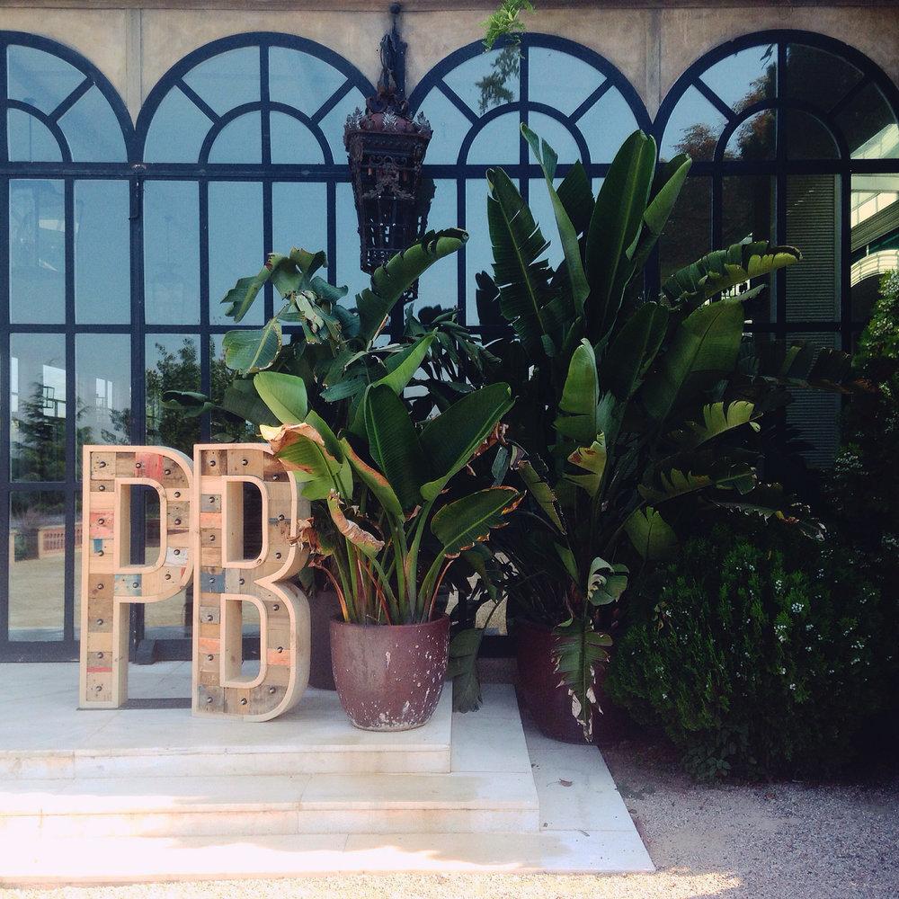 PB-bodas-letras-bombillas.jpg