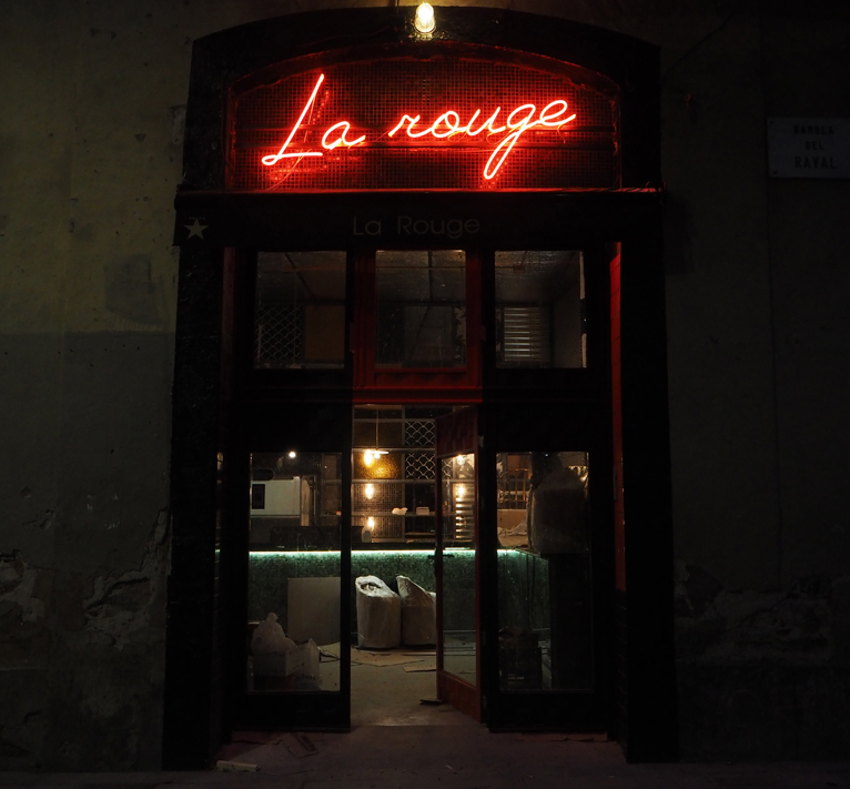 LaRouge-rotulos-neon.jpg