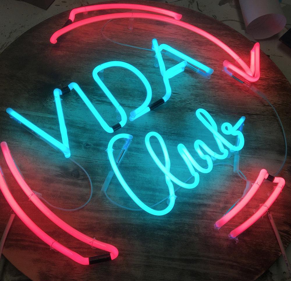 VidaClub-neon-web.jpg