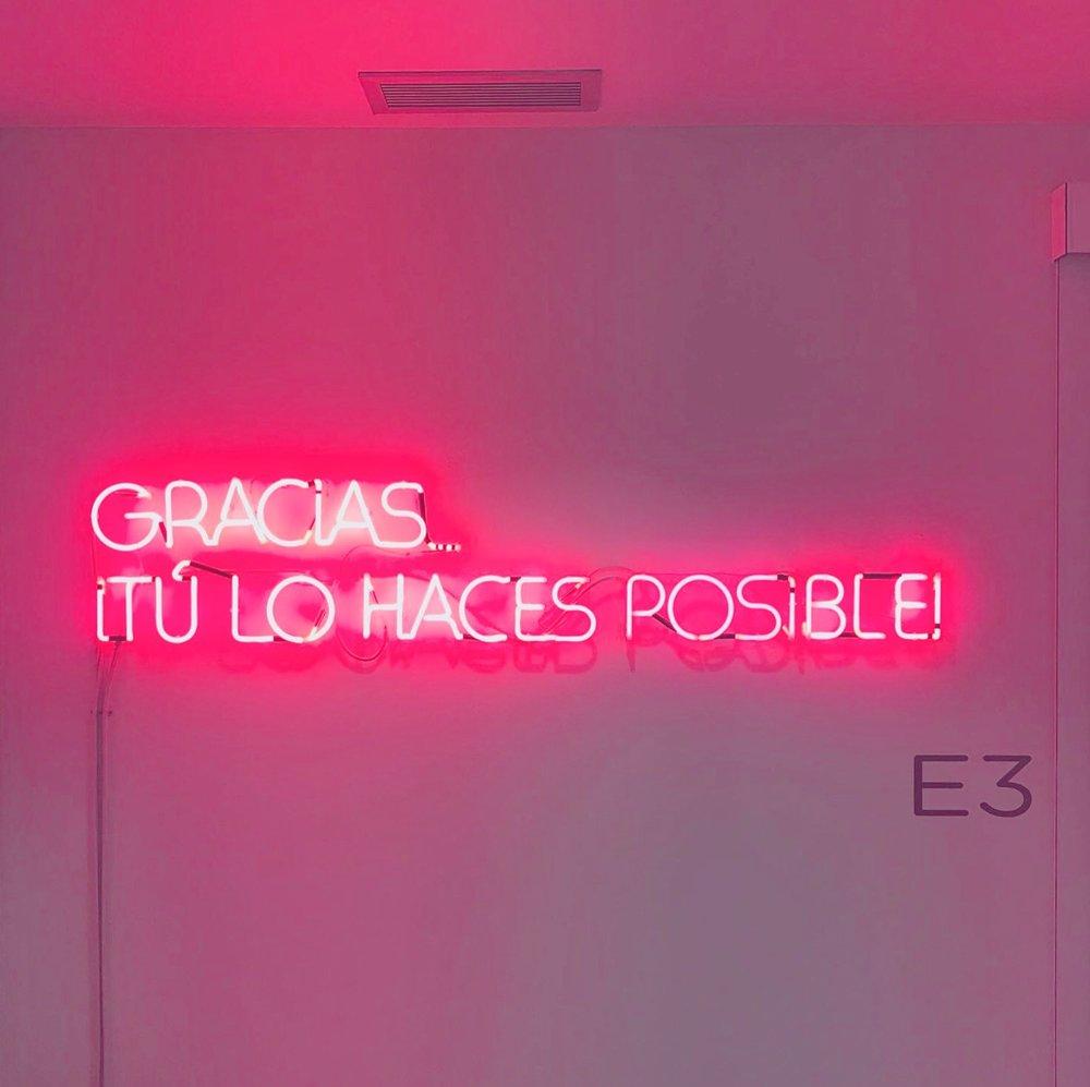 neon-institut-marques-27lletres.JPG
