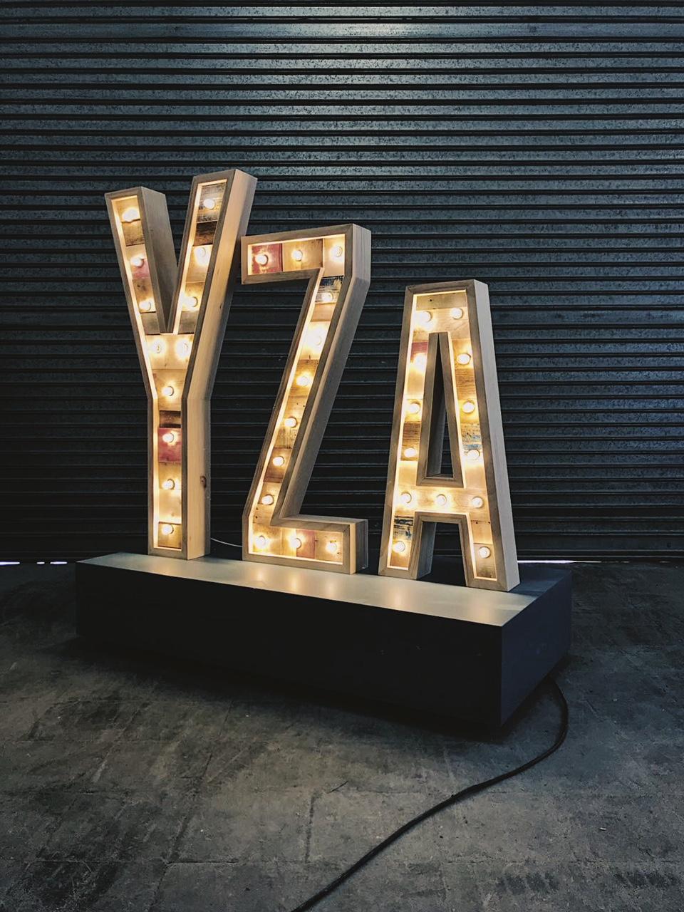 YZAGUIRRE-LETRASLUMINOSAS-27LLETRES-02.JPG