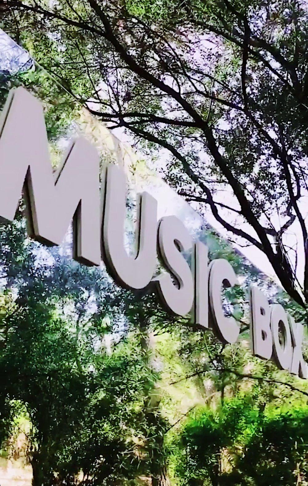 musicbox-vida-festivales-2019-27lletres.jpeg