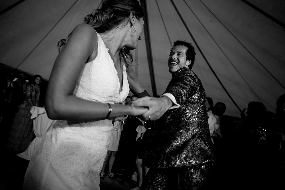 bruidsfotograaf-brabant-trouwen-in-het-bos-festivalbruiloft-vught-haaren_0108.jpg