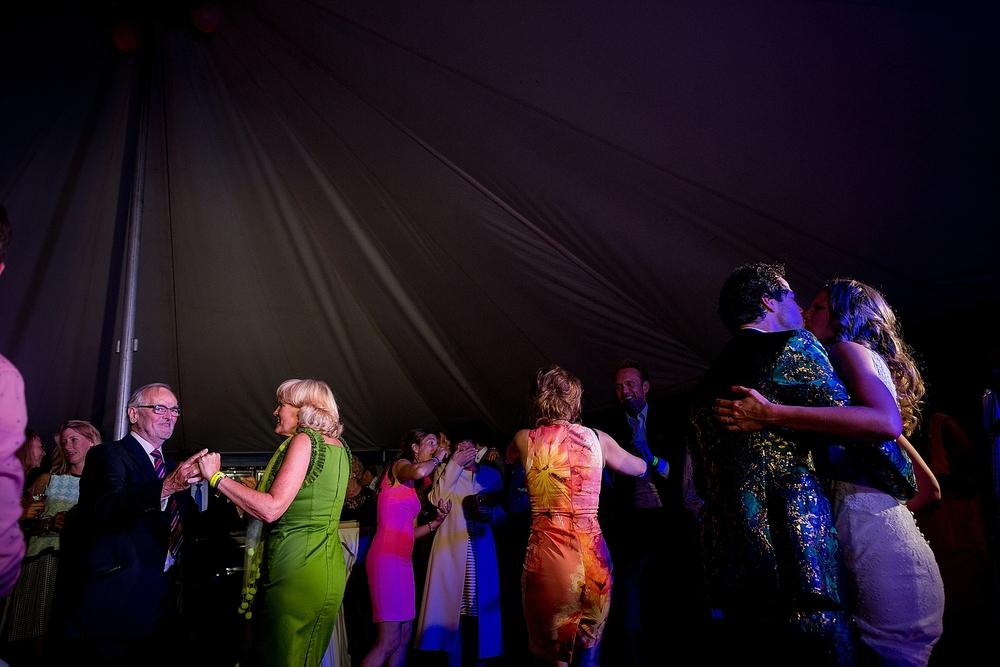 bruidsfotograaf-brabant-trouwen-in-het-bos-festivalbruiloft-vught-haaren_0113.jpg