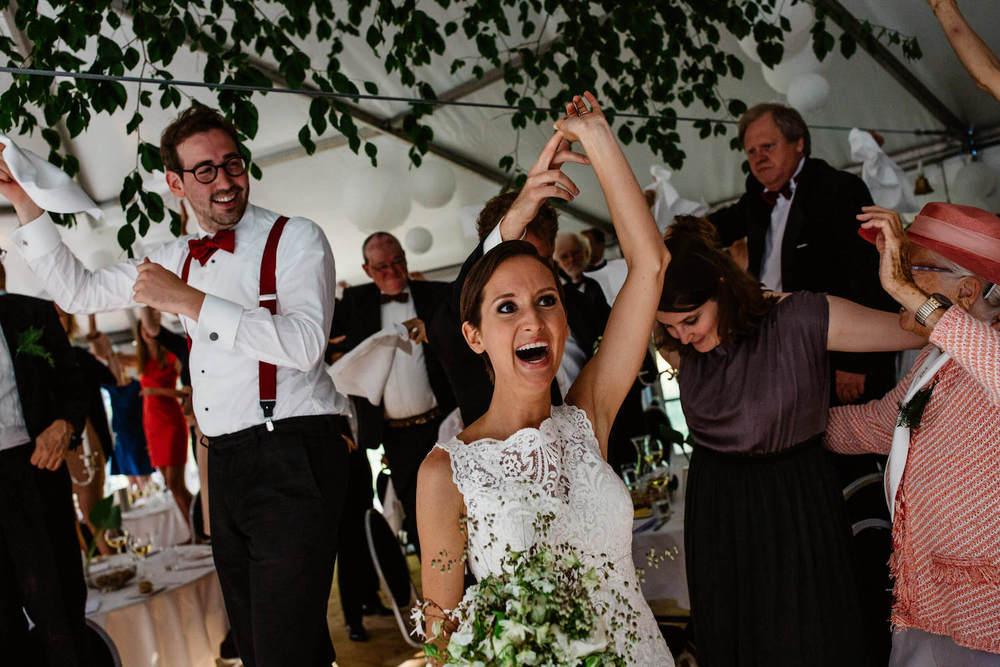 buitenbruiloft-landgoed-pijnenburg-soest-utrecht-bruidsfotograaf-42.jpg
