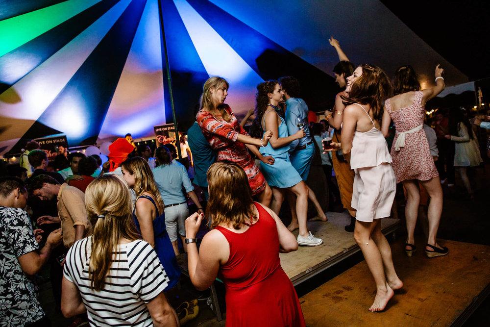 festivalbruiloft-bruidsfotograaf-utrecht-32.jpg