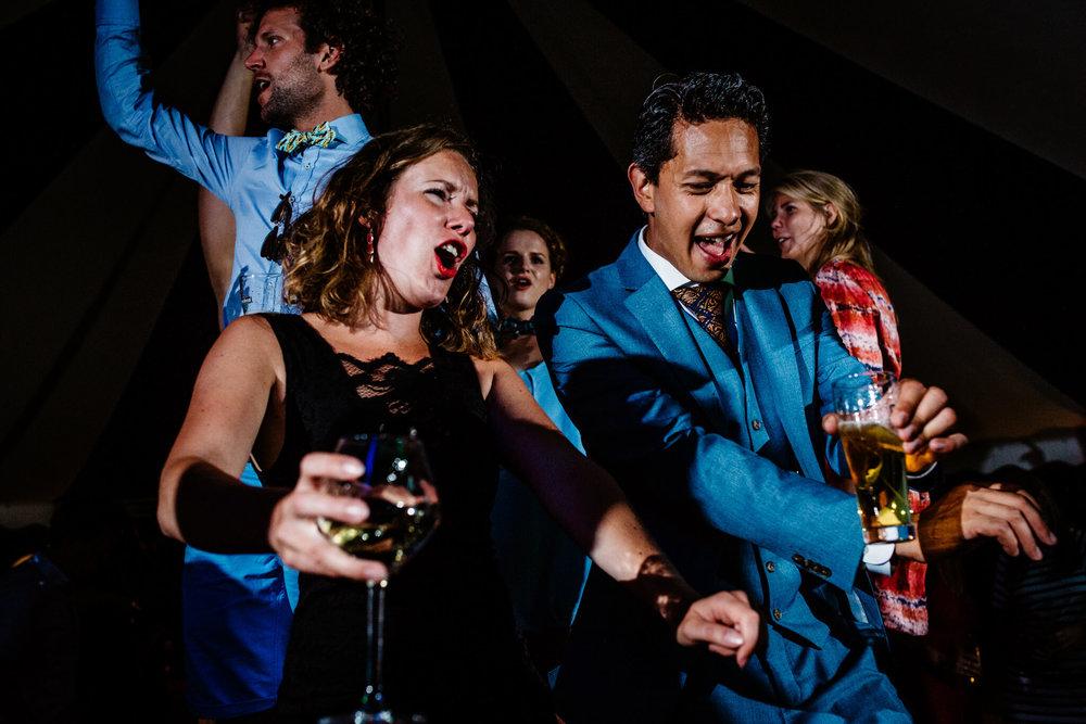festivalbruiloft-bruidsfotograaf-utrecht-31.jpg