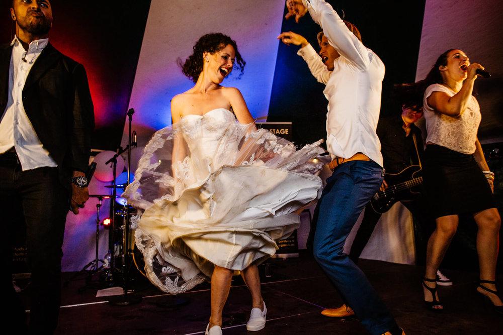 festivalbruiloft-bruidsfotograaf-utrecht-35.jpg