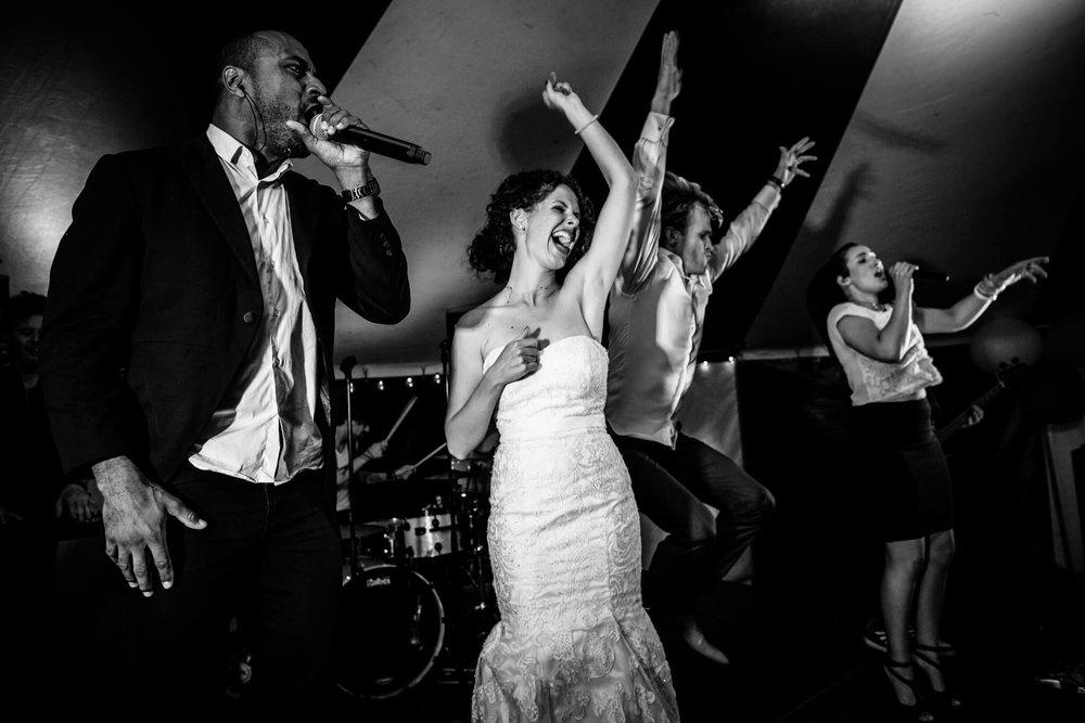 festivalbruiloft-bruidsfotograaf-utrecht-37.jpg