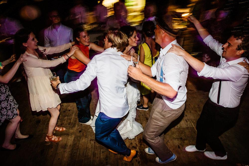 festivalbruiloft-bruidsfotograaf-utrecht-42.jpg