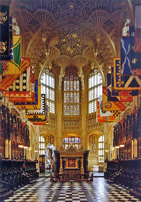 Henry VII's Lady Chapel. Ahead is the alter beneath which the teenage king, Edward VI is buried. Behind him is his grandfather and grandmother; Henry VII and Elizabeth of York.