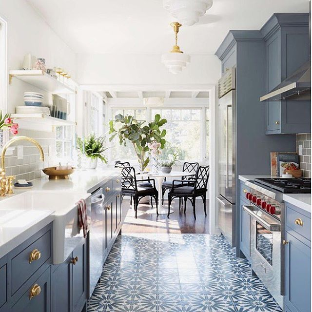 GDFR -- in this kitchen dReAM 💘🌥✨ no doubt I would NOT mine cooking this afternoon while standing on these #pretty floors 😍😍🏡 #onemoreday #gobblegobble