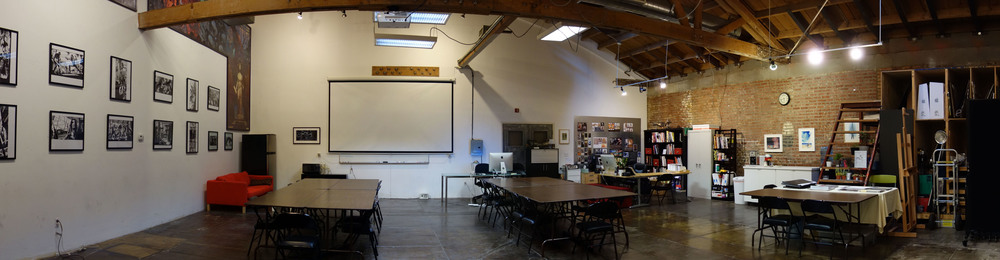 Our Digital Media Room. Average Design class is between 16~20 students max.