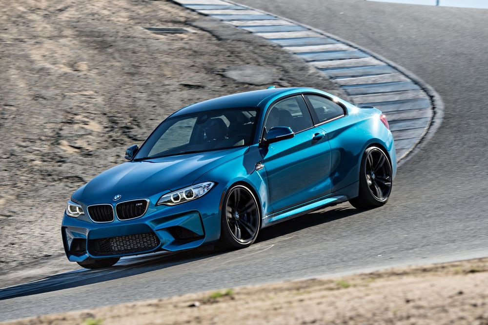 2016-bmw-m2-front-three-quarters-in-motion-02.jpg