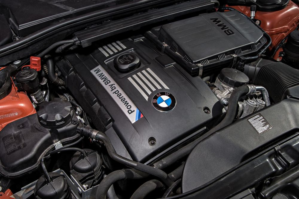 bmw-1-series-m-coupe-engine.jpg
