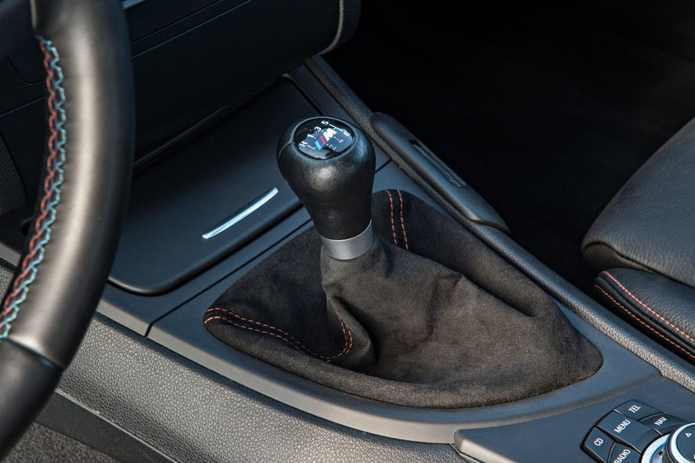 bmw-1-series-m-coupe-gear-knob.jpg