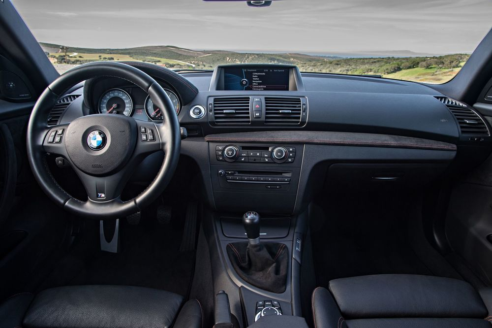 bmw-1-series-m-coupe-interior.jpg