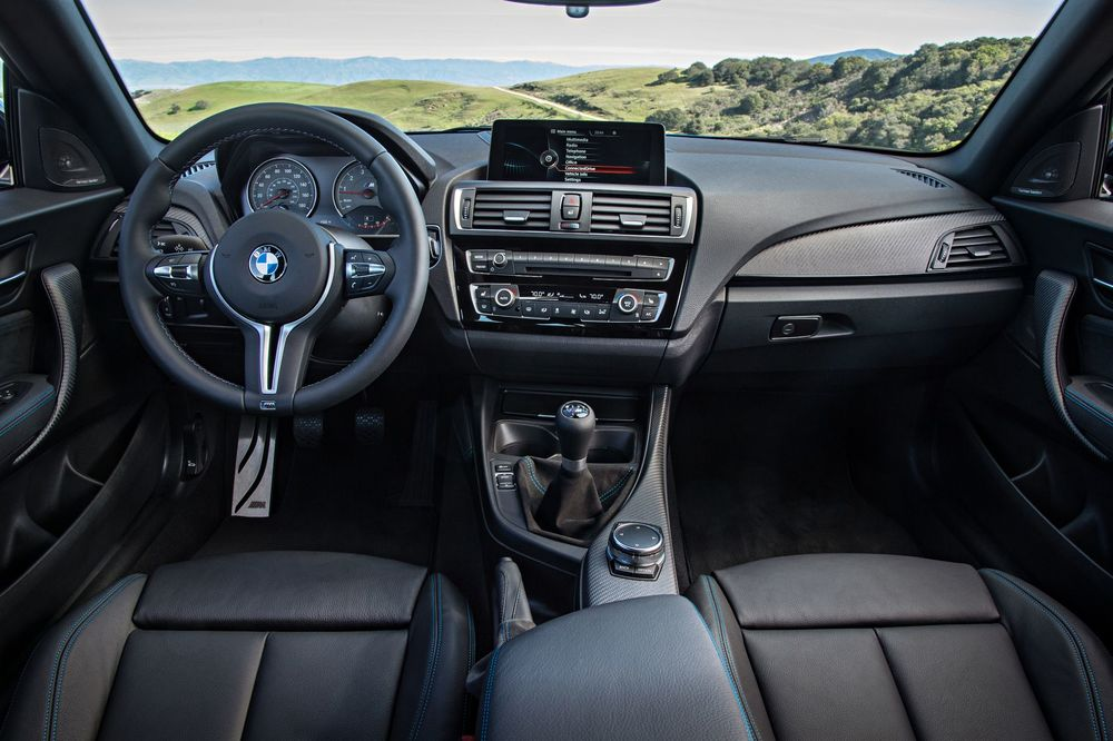 bmw-1-series-m-coupe-interior-02.jpg