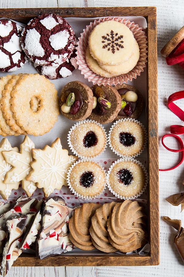 2018_0118_erinscottphotography_holidaycookiesbook-8805.jpg